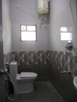14J6U00269: bathrooms 1