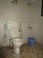 14NBU00186: Bathroom 2