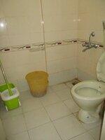 15S9U00723: Bathroom 2