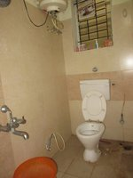 12S9U00215: Bathroom 1
