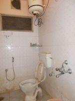 13M5U00540: Bathroom 1
