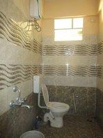 13S9U00259: Bathroom 1