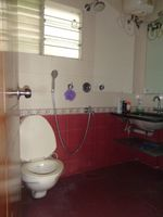 12OAU00135: Bathroom 1