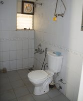 13NBU00273: Bathroom 1