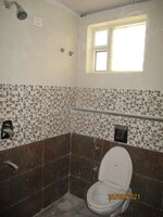 15S9U00692: Bathroom 1