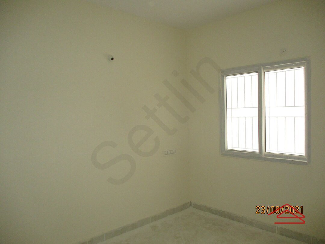 15S9U00692: Bedroom 1