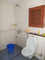 13M5U00229: Bathroom 2