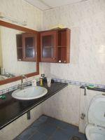 13M5U00229: Bathroom 3