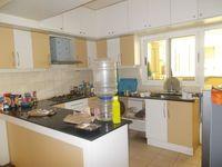 13M5U00229: Kitchen 1