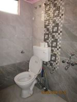 13F2U00440: Bathroom 2