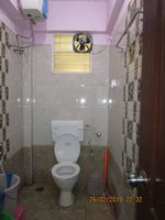 13F2U00440: Bathroom 1