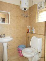 12DCU00278: Bathroom 3
