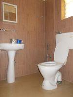 12DCU00278: Bathroom 1