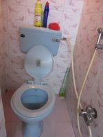 13J6U00389: Bathroom 1
