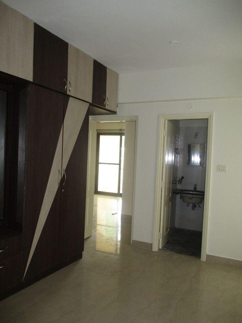 10S900018: Bedroom 1