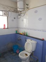 13J6U00091: Bathroom 1