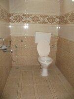 15A4U00324: Bathroom 2