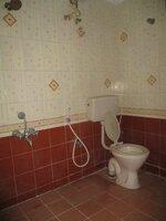 15J7U00146: Bathroom 2