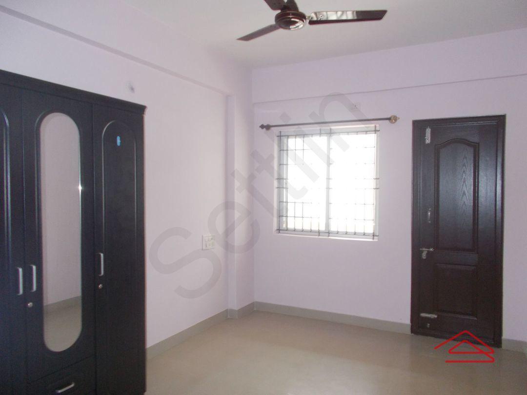 13M3U00018: Bedroom 1