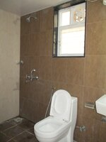15S9U00643: Bathroom 2