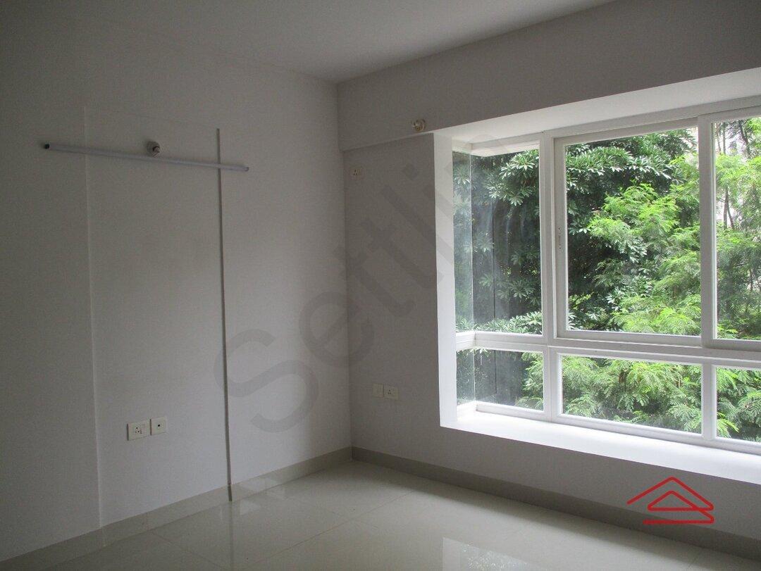 15S9U00643: Bedroom 1