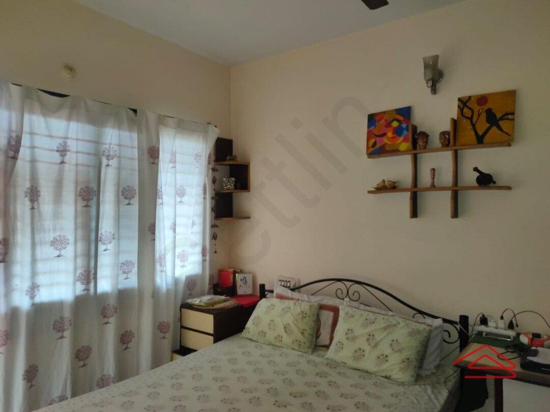 15J1U00363: Bedroom 1