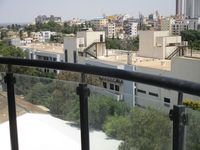 13A4U00330: Balcony 2