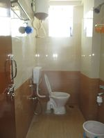 13M5U00047: Bathroom 3