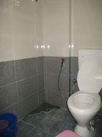 13M5U00047: Bathroom 1