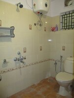 15M3U00122: Bathroom 1