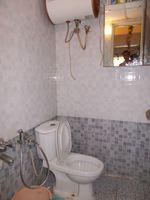 12J1U00201: Bathroom 1