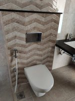 13J7U00058: Bathroom 1