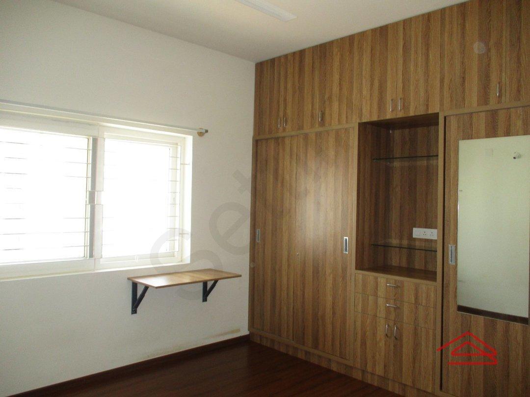 14J6U00044: Bedroom 1