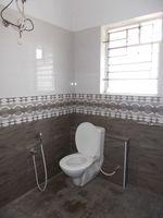 12OAU00035: Bathroom 2