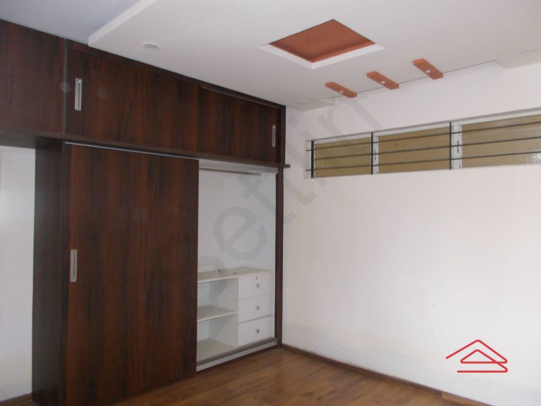 12OAU00035: Bedroom 1