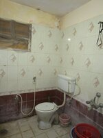 15J1U00168: Bathroom 2
