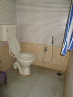 10J7U00202: Bathroom 2