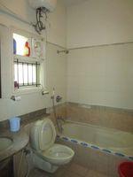 13M3U00338: Bathroom 2