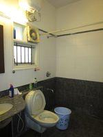 13M3U00338: Bathroom 1