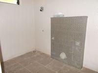 13J6U00453: Bathroom 2