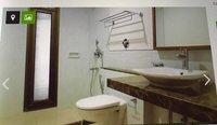 14J1U00405: Bathroom 2