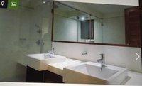 14J1U00405: Bathroom 1