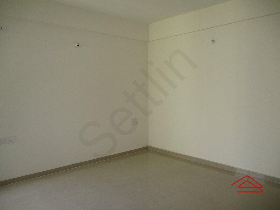 15J7U00338: Bedroom 1