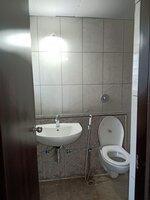 15F2U00177: Bathroom 1