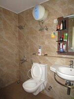 15M3U00230: Bathroom 2
