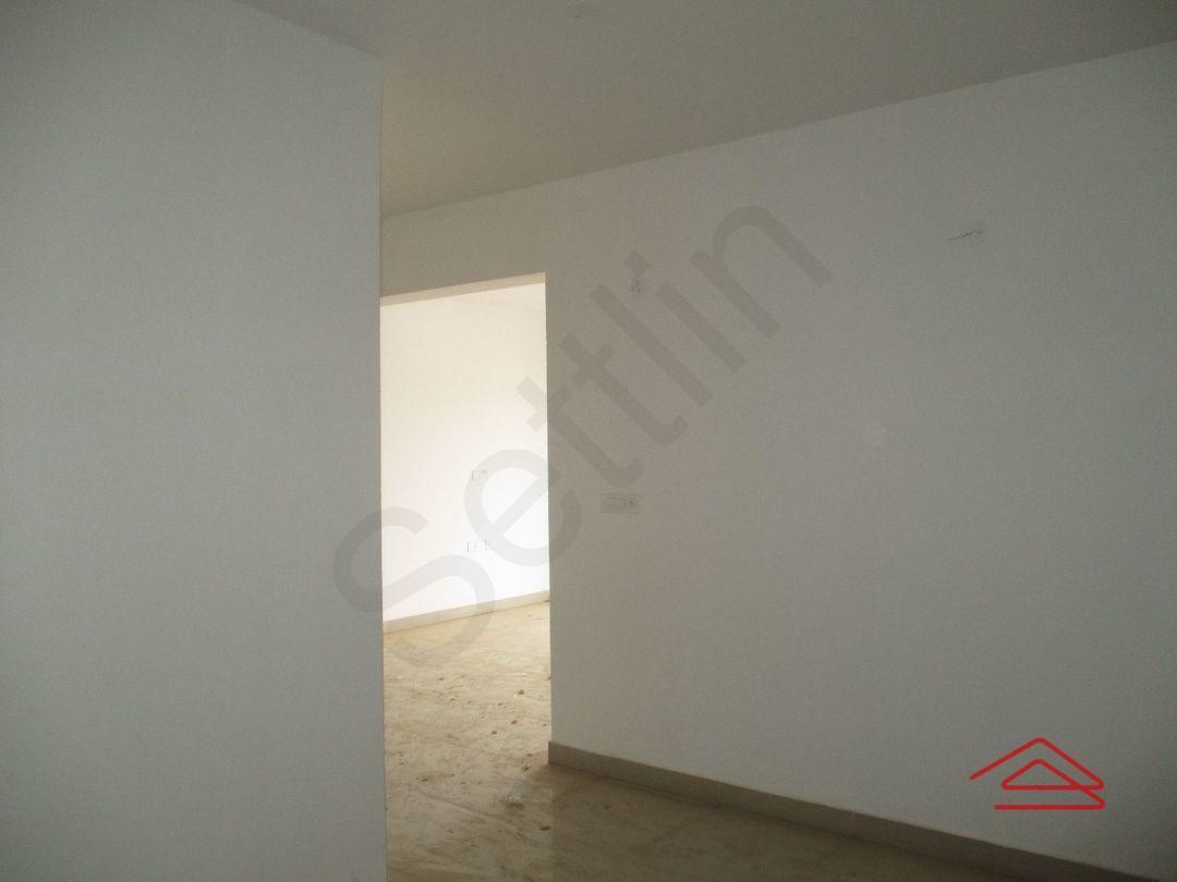 11S9U00321: Bedroom 1