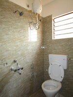 15F2U00062: Bathroom 2