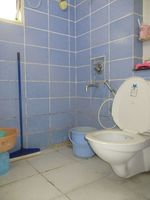 10A8U00154: Bathroom 3