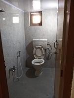 13M5U00534: Bathroom 1