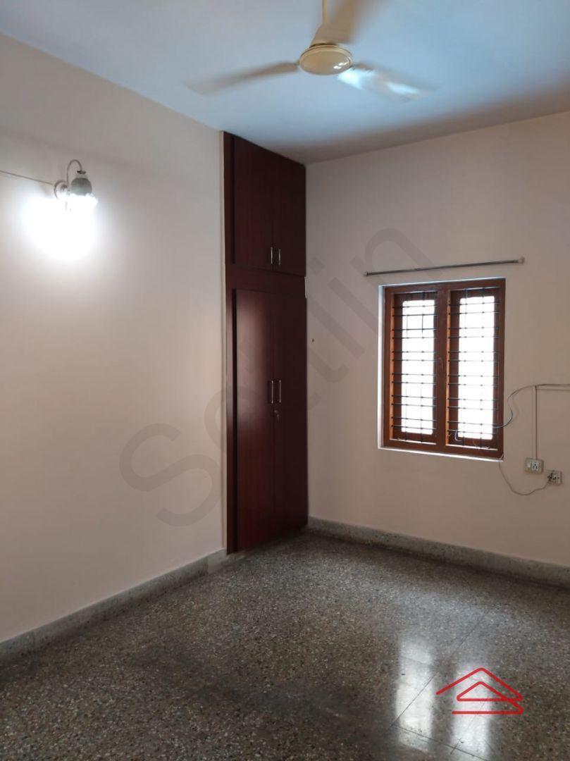 13M5U00534: Bedroom 1